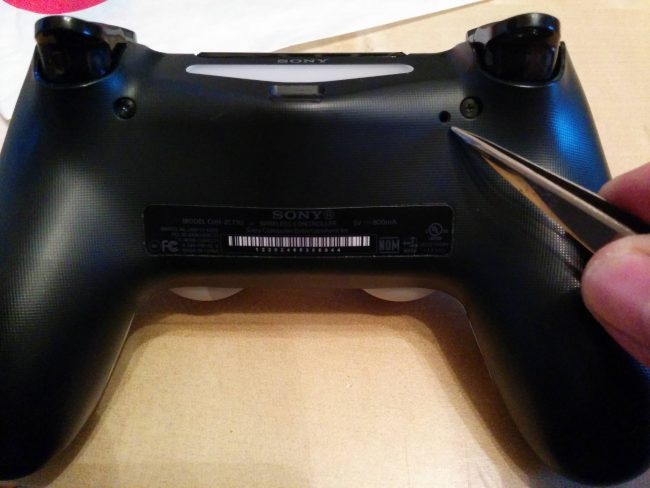 FIXED] 6 Ways to Fix PS4 Controller Flashing White - ValidEdge